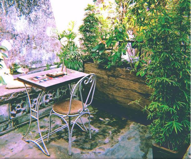 reachingoutcafe-vietnam